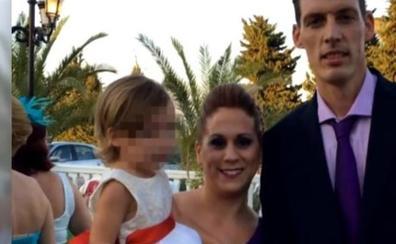 """La petición de ayuda """"desesperada"""" de los padres de la pequeña Lucía"""
