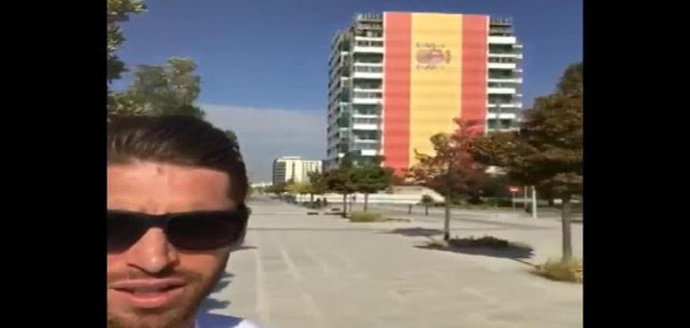 """Sergio Ramos y su """"orgullo"""" por la gigantesca bandera española"""