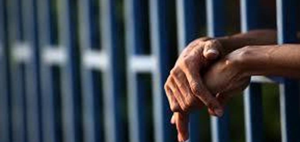 Liberan a un hombre que pasó 23 años en la cárcel cuando era inocente