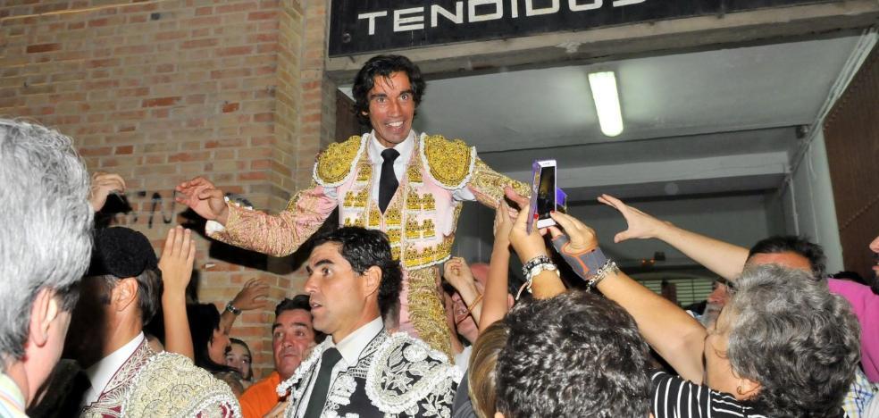 Puerta grande al arte de Curro Díaz