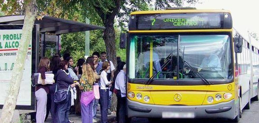 Vecinos de Entrecaminos se quedan sin autobús para ir a la Feria