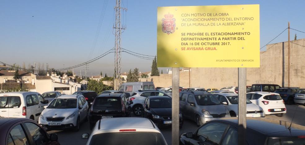 El Ayuntamiento cierra hoy el 'parking' pirata junto a la muralla Alberzana