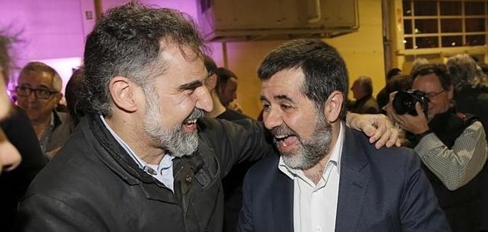 Un tuit enciende la red porque adelantaba la entrada en prisión de los líderes catalanes Sánchez y Cuixart