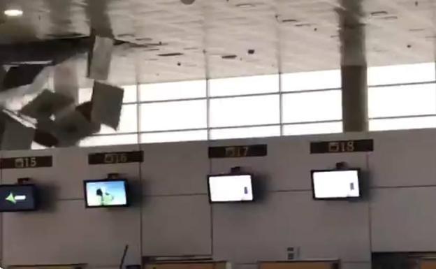 Cae parte del techo de la terminal aeropuerto almer a por for Caidas de agua para techos