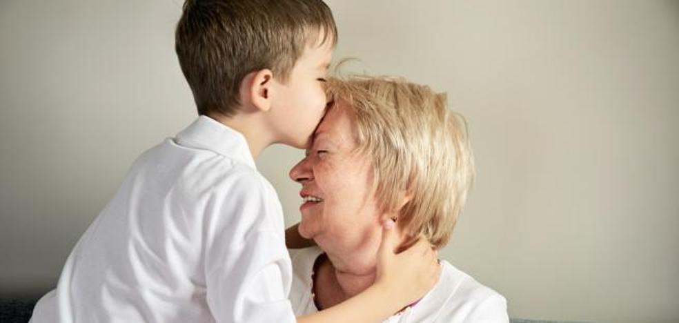 """""""Con 60 años, tengo que ser la madre de mi nieto porque mi hijo quiere vivir la vida"""""""
