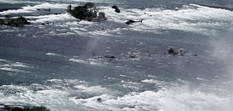 Un niño cae 30 metros en las cataratas del Niágara y sobrevive