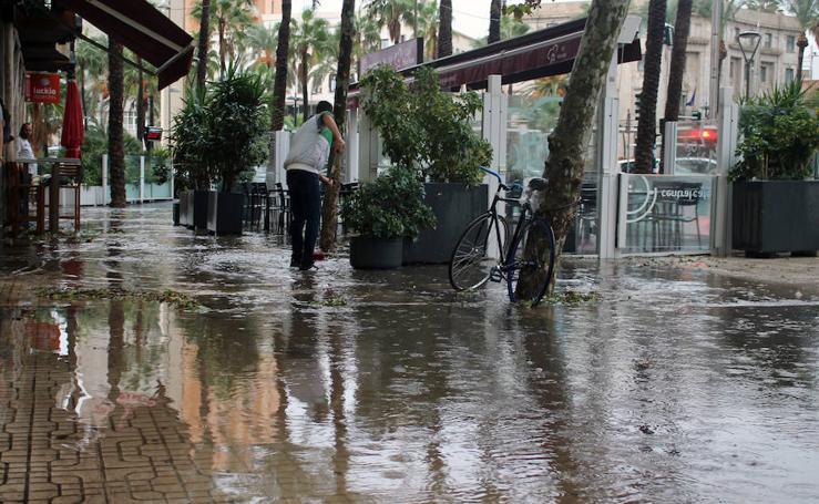 Aviso naranja por lluvias y tormentas en la zonas de Levante, Poniente y Almería capital
