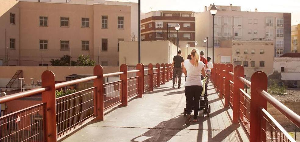 Vecinos de Plaza Pavía proponen reprobar al alcalde de Almería
