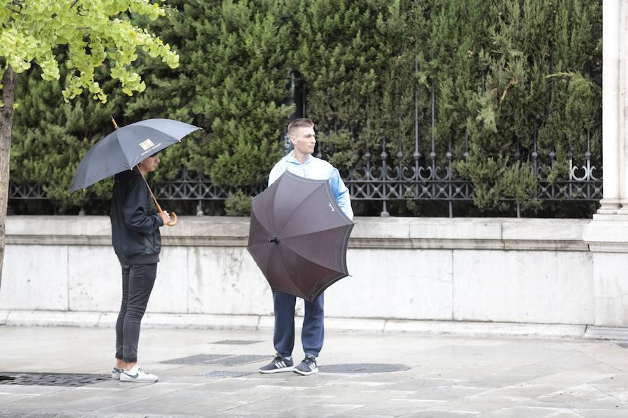 La lluvia vuelve con fuerza a Granada