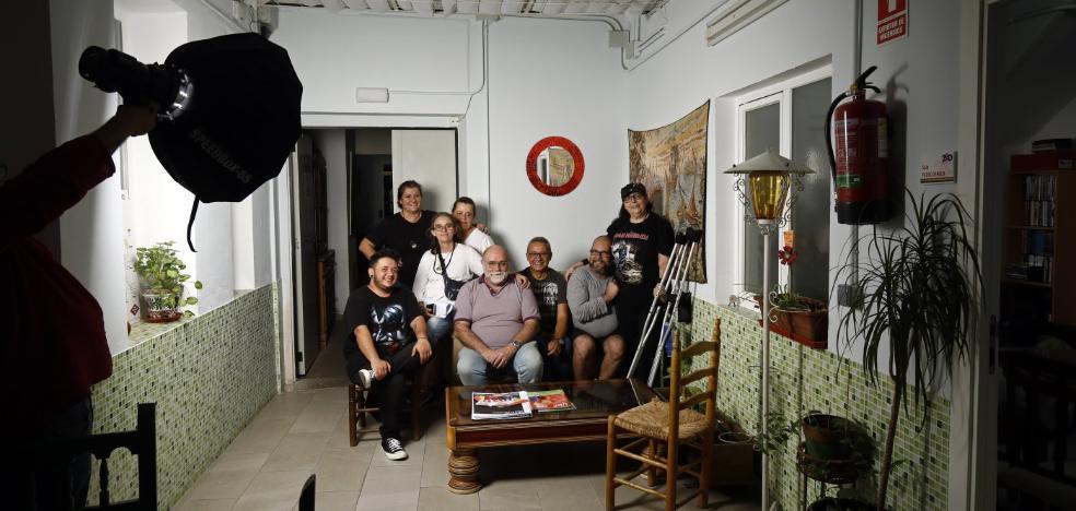 Proponen crear residencias para ancianos homosexuales: «Nos sentiríamos igual que un ateo en una iglesia»