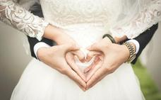 Detenida por pagarse la boda y la luna de miel con la tarjeta de crédito de una amiga