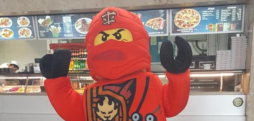 La Policía de Viena aplica la ley antiburka en una juguetería por un disfraz de Lego