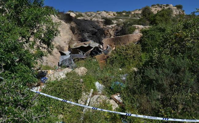 Condenados los menores que amenazaron al testigo del incendio de la cueva de Almería para cambiar su versión