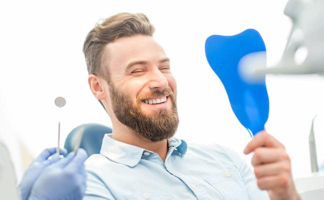 Un máster de la UGR ofrece dentista gratis a los granadinos