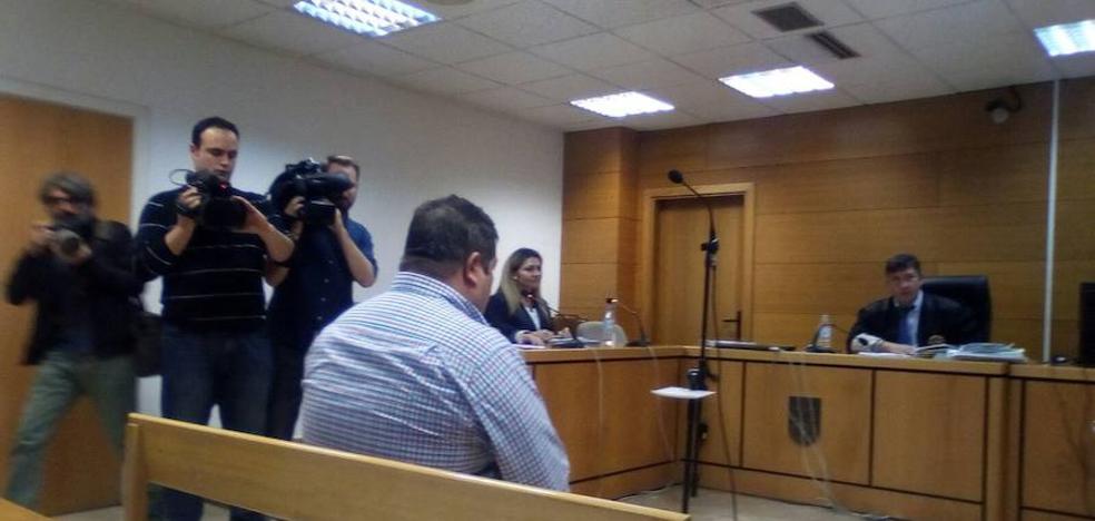 El concejal de Montillana acusado por la muerte de un niño al lanzar cohetes acepta una multa