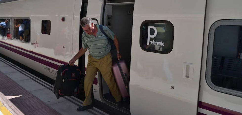 Renfe lanza 6.000 plazas con el 60% de descuento en los trenes Madrid-Almería