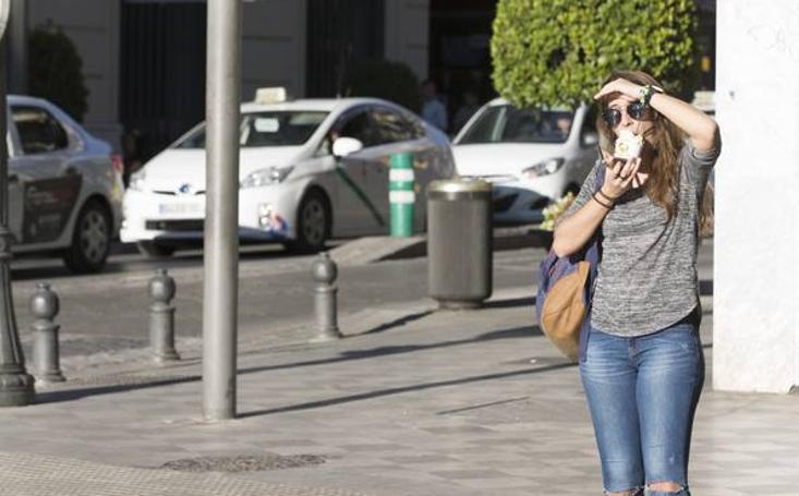 De 13 grados a 33: el veroño continúa en Granada