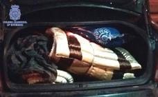 Se camuflaban en maleteros y remolques para entrar ilegalmente en Almería