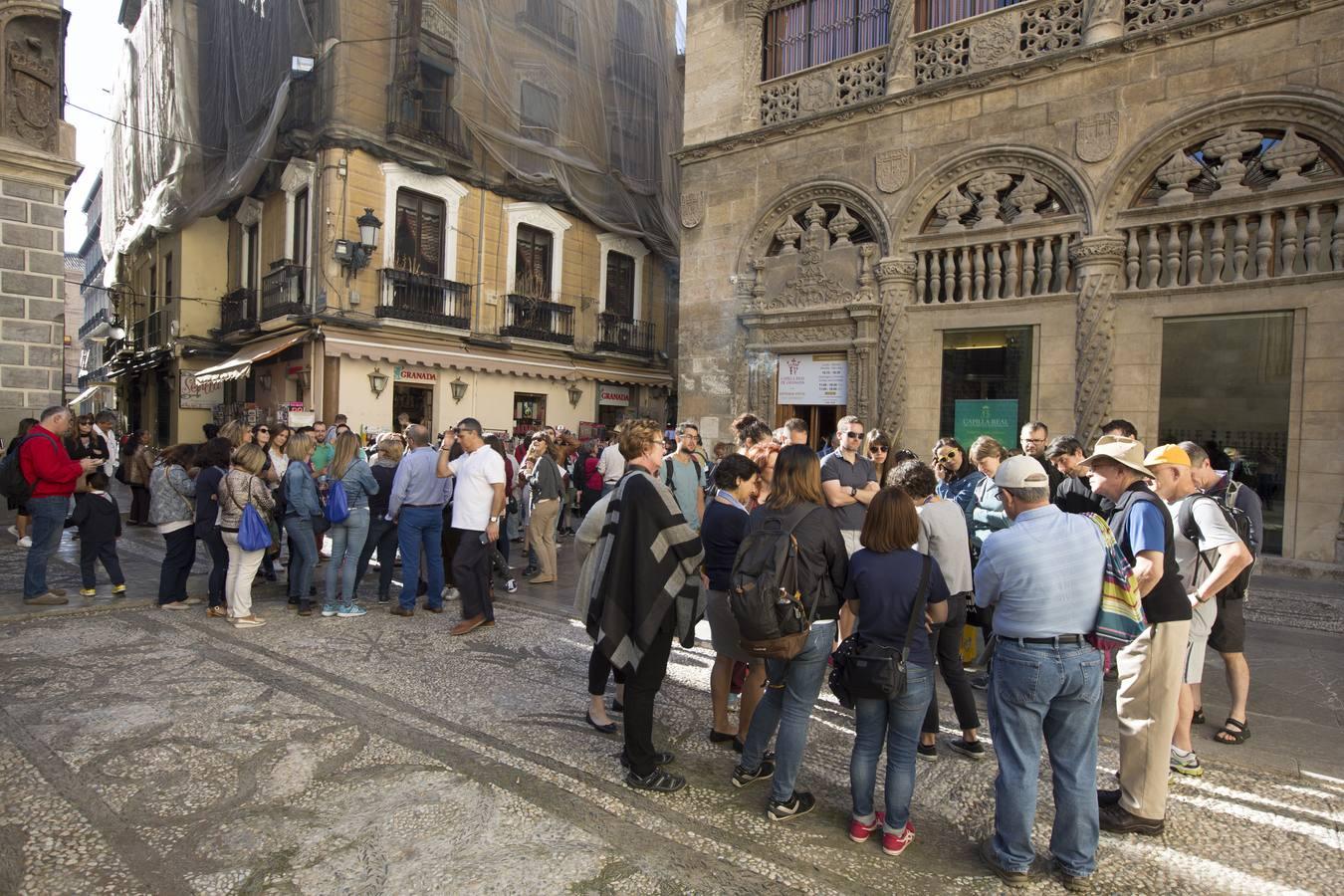 Invasión de turistas en Granada este fin de semana