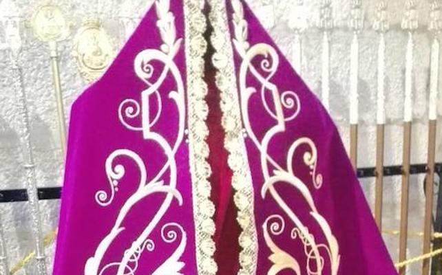 La Patrona de Jaén estrena manto