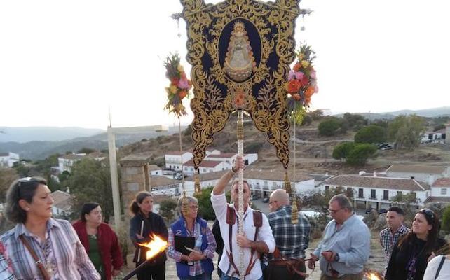 Peregrinación extraordinaria de la Hermandad del Rocío de Jaén al Santuario de la Virgen de la Cabeza