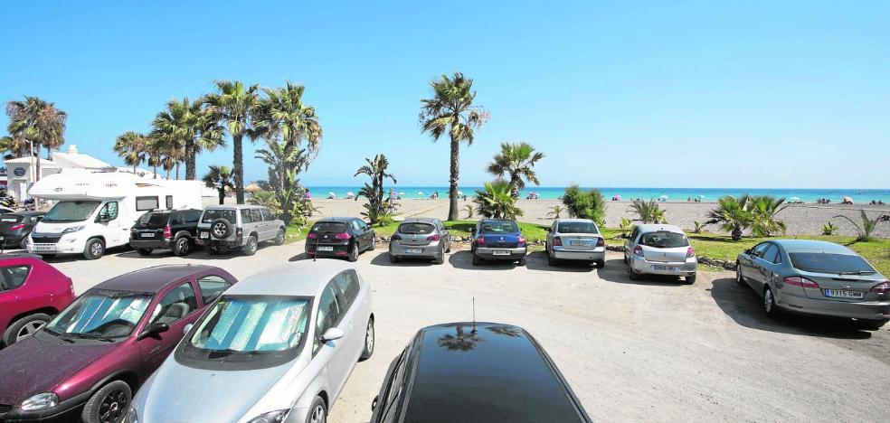 Motril busca ideas para los problemas de aparcamientos irregulares en la playa