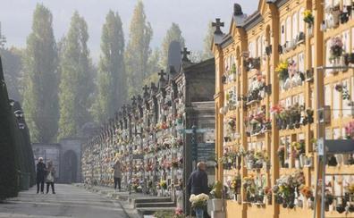 Paseando por el cementerio