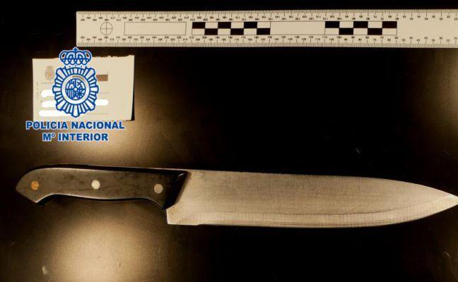 Una mujer de 66 años intenta atracar con un cuchillo una panadería