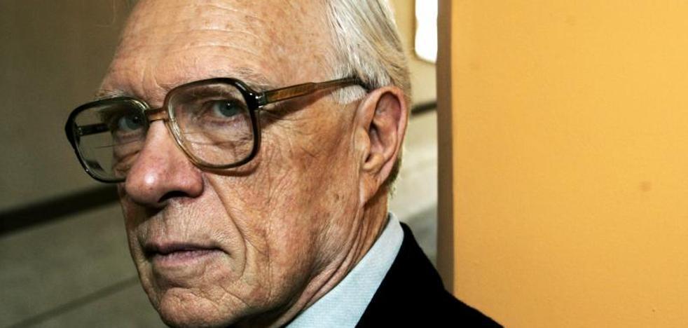 Stanley G. Payne: «La Constitución debe revisarse para poner límites a las autonomías»