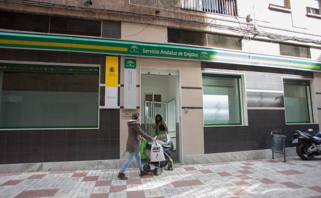 Descienden en 3.201 los parados en Almería en octubre