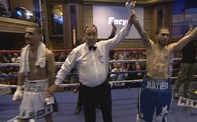 Castro pierde a los puntos el título de España del peso supergallo