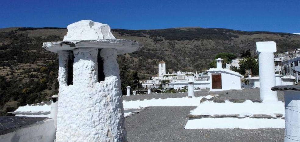 Capileira, uno de los municipios que mejor conserva la tipología y arquitectura tradicional de la Alpujarra