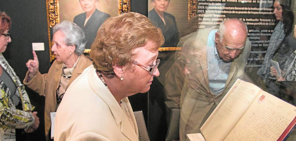 La UJA exhibe fondos documentales relacionados con la institución teresiana