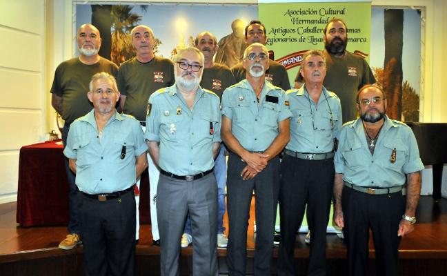 Antiguos legionarios se asocian en Linares para mantener su pasado