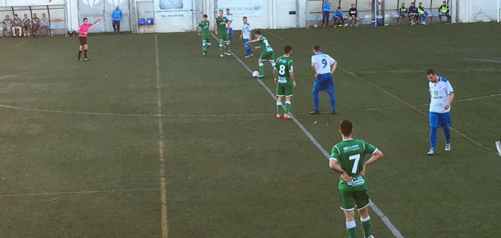 El Atlético Mancha Real rescata un punto in extremis ante el Palo en un choque que merecieron ganar