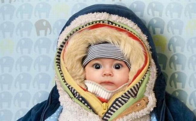 ¿Cuánto debo abrigar a mi recién nacido?