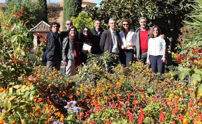 Un libro recopila las 80 especies de plantas imprescindibles de la Alhambra