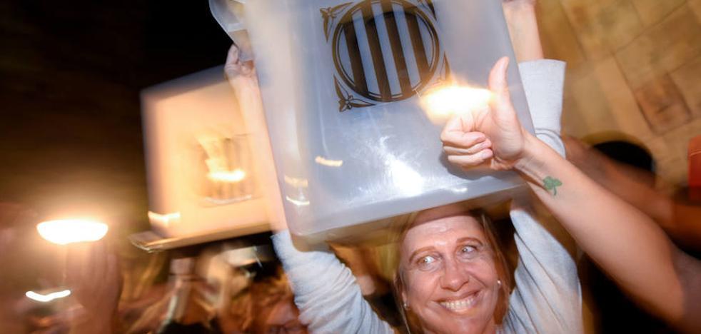 Podemos se desploma por su gestión de la crisis de Cataluña