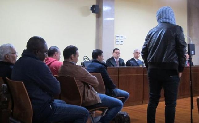 Multas de 450 y 1.350 euros para los acusados de regularizar inmigrantes de forma fraudulenta en Jaén