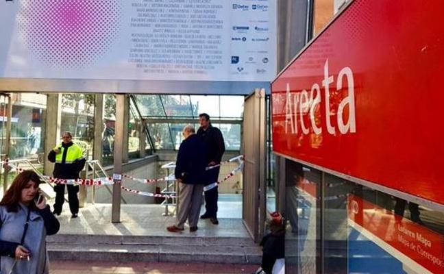 Dos muertos en el metro de Bilbao: un hombre de un infarto y una mujer al caer a las vías