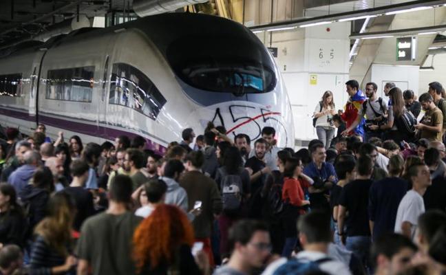 La huelga independentista se queda lejos de paralizar la economía de Cataluña