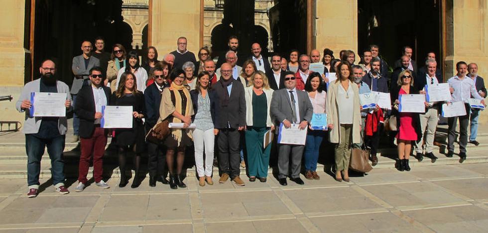 25 empresas de Jaén reciben distintivos por su excelencia y calidad turística