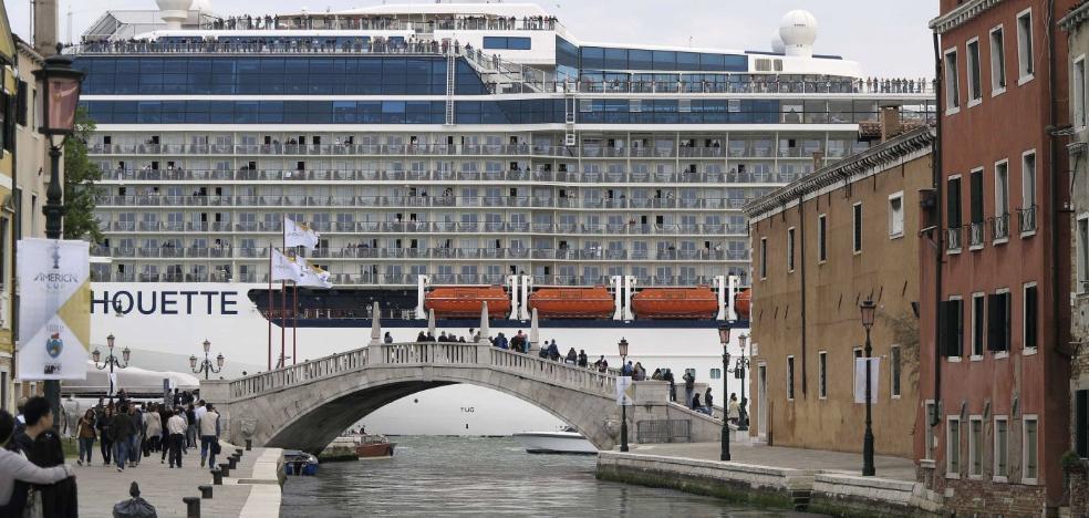 Prohíben los cruceros en Venecia para frenar una situación «dramática»