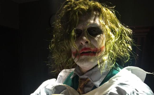 Un médico se disfraza de Joker en Halloween para atender un parto