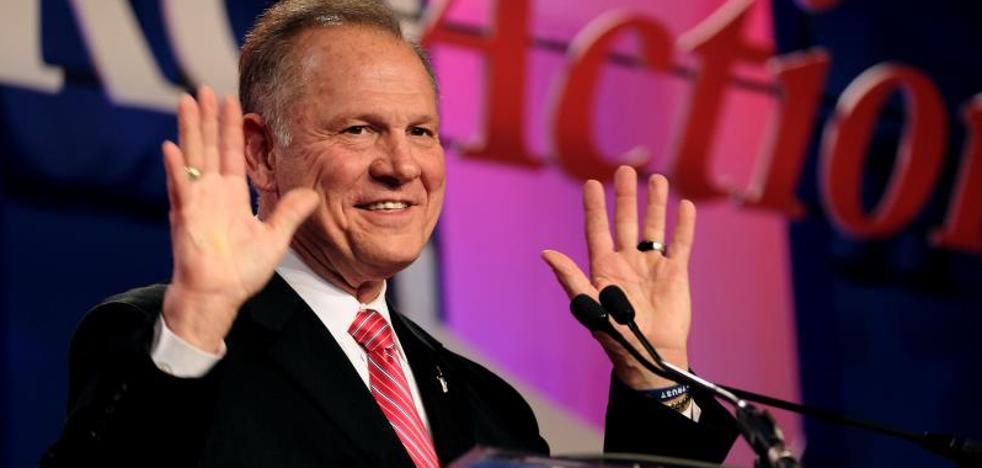 Roy Moore, el candidato al Senado de EE UU, niega el caso de abuso sexual