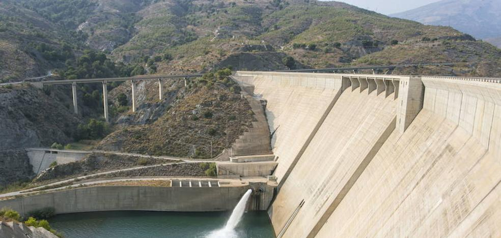 El proyecto de las tuberías de Rules se pone en marcha 14 años después de acabarse la presa