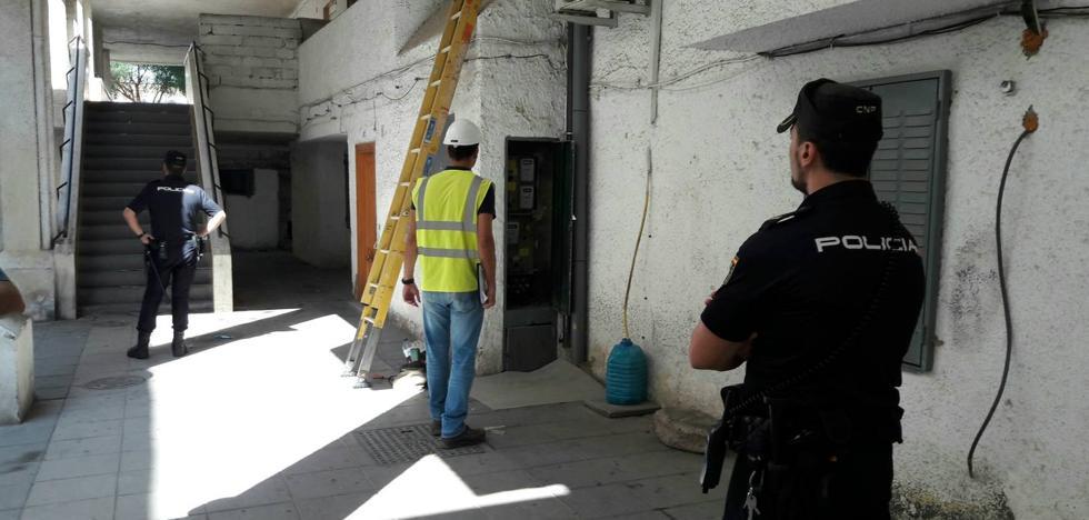 Endesa destapa una media de diez enganches 'pirata' al día en Almería