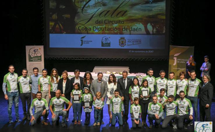 Alcaudete acoge una emotiva Gala del Ciclismo Jiennense 2017