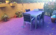 El polvo de colores de la Holi se cuela en las viviendas