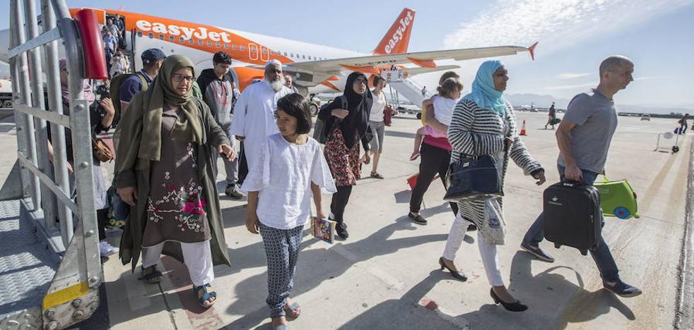 Los pasajeros del aeropuerto de Granada crecen en octubre casi un 34%